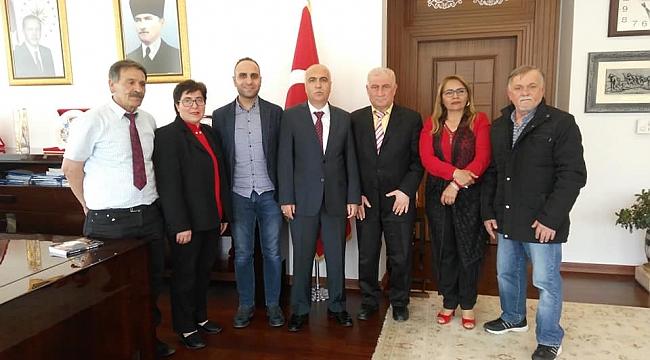 YARENDER VALİ KARAHAN'I ZİYARET ETTİ